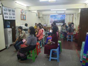 ミャンマー送り出し機関の面接風景